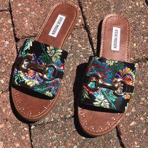Tapestry Brocade Sandals | 7.5 runs narrow